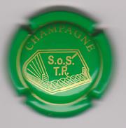 Capsule Champagne Commémo ( Nr ; S.0.S. TP Vert Et Or ) Dos Quelques Taches {S41-17} - Champagne