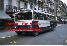 Reproduction D'une Photographie D'un Trolley Bus Ligne 8 Gros Avec Publicité Terlenka à San-Sebastian En Espagne En 1968 - Reproductions