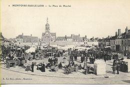 MONTOIRE SUR LE LOIR  La Place Du Marché - Montoire-sur-le-Loir