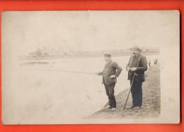 NEO-31  Carte-photo Pêcheurs à La Ligne. Non Circulé - Fishing
