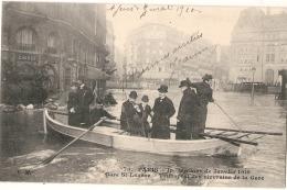 ---75 -----  PARIS Gare St Lazare Inondation De  Janvier 1910 Transport De Riverains - TTB - La Crecida Del Sena De 1910