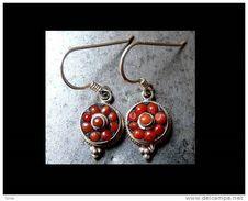 Très Mignonnes Boucles D'oreille Argent Du Népal I/ Silver And Coral Contemporary Earings From Nepal I - Ethniques