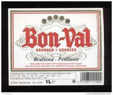 Etiquette D'Eau Minérale  Pétillante  -  Bon Val  1 L -  Belgique - Labels