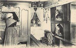 - Finistere -ref-D802- Coutumes Moeurs Et Costumes Bretons - Cmcb - Interieur Breton - Lit Et Chapelle De La Vierge - France
