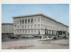 PYONGYANG - El Museo Conmemorativo De La Victoria En La Guerra De Liberacion  ( 2 Scans ) - Korea, North