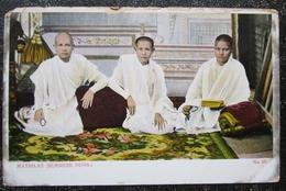 Burma  Mathilas Burmese Nuns   Cpa Birmanie Myanmar - Myanmar (Burma)