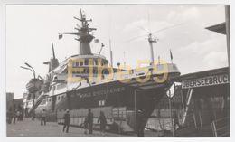 Adventure Cruises, Kreuzfahrtschiff World Discoverer. Ex Bewa Discoverer, Schwarz-Weiß-Fotografie - Barche