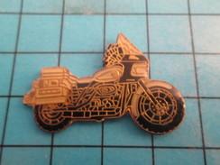 Pin811i Pin's Pins / Beau Et Rare : MOTOS / MOTO ROUTIERE HARLEY DAVIDSON ? - Motorbikes