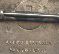 C.T. EPERVIER  Contre Torpilleur Poinçons ARTHUS BERTRAND PARIS Poinçons DEPOSE. Insigne Marine - Marine