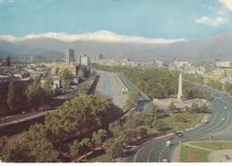 PLAZA ITALIA, CON VISTA CORDILLERA DE LOS ANDES. CIRCA 1970S -  SANTIAGO, CHILE/CHILI - BLEUP - Chili