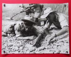 Guerre Indochine-Tonkin 4 Très Belles Photos GM Parachutistes Démineurs Radio Patrouille Sans éditeur - Guerre, Militaire