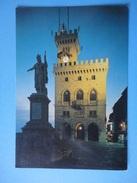 San Marino - Il Palazzo Del Governo Di Notte - San Marino