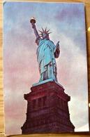 SATUE OF LIVERTY STATUE DE LA LIBERTE LIBERTY ISLAND IN THE NEW YORK HARBOUR SCAN R/V - Statue De La Liberté