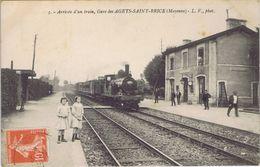 53 - Agets-Saint-Brice (Mayenne) -  La Gare - Arrivée D'un Train - France