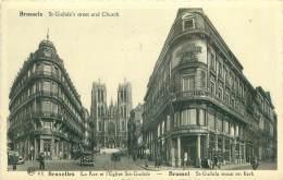 BRUXELLES - La Rue Et L'Eglise Ste-Gudule - Lanen, Boulevards