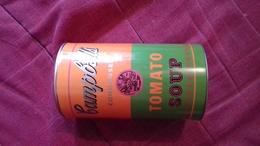 Boite De Conserve Metalique  De Soupe Andy Warhol Diamatre 10cm Longueur 18 Cm - Latas