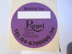 HOTEL MOTEL ROYAL PLAZA TIBERIAS GALILEE VINTAGE OLD ISRAEL TAG STICKER DECAL LUGGAGE LABEL ETIQUETTE AUFKLEBER - Etiketten Van Hotels
