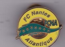 Pin's Ecusson Du F C NANTES ATLANTIQUE  Signe  C A C NANTES - Football
