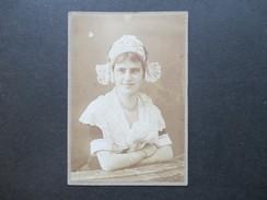 Altes Foto Um 1908 Frau Im Kleid / Tracht. Haube. Junge Frau. - Personas Anónimos