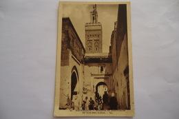 CPA MAROC MARRAKECH. Mosquée Et Sanctuaire De Sidi-bel Abbas. - Marrakech