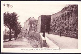 CPA - GRANVILLE (50 - MANCHE) - RUE DE PARIS, LA CASERNE ET LES REMPARTS (N° 604) - ANIMEE - Granville
