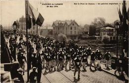 CPA PARIS Marche De L'Armee 1904. Sur Le Pont De Chatou. Un Peloton (562854) - Francia
