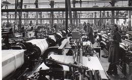 PHOTO  AUTHENTIQUE - LA BRESSE (88)   Atelier D'une Usine Textile Avec Les Ouvrières   - Filature - Lieux