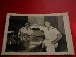 CARTE PHOTO SOLDAT A SAIGON AU BAR - Viêt-Nam