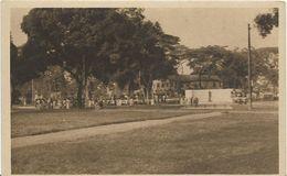 JP ~ CAMEROUN ~ DOUALA  Place Du Palais Et Le Monument LECLERC - Cameroon