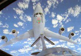 E 3 F SDA Du 36° Escadron De Detection Et De Controle Aeroportes En Approche Pour Un Ravitaillement Sur Un C 135 FR - 1946-....: Moderne