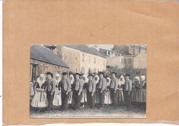 Les Mariages De PLOUGASTEL-DAOULAS - Défilé Des Mariés Après La Cérémonie Religieuse - POIT - - Bretagne