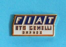 1 PIN'S  //  **  FIAT ** ETS GEMELLI ** ORANGE ** - Fiat