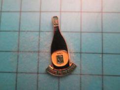 Pin712e Pin's Pins : Rare Et Belle Qualité :  BOUTEILLE CHAMPAGNE DOMAINE BALLAND CHAPUIS - Boissons