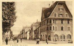 CPA - SAINT-LOUIS (68) - Aspect De La Rue De Bâle Et De La Banque Comptoir D'Escompte De Mulhouse En 1930 - Saint Louis