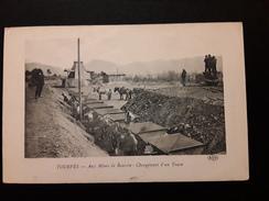 CPA Mines TOURVES Aux Mines De Bauxite Chargement D Un Train - Frankreich