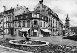 SAINT DIE  -  Place De La Gare Et Rue Gambetta (Café Hôtel) - Saint Die
