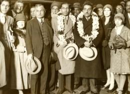 India Princes Indiens Nizam Hyderabad Family Victoria Station London Gare Londres Old Photo 1930's - Célébrités