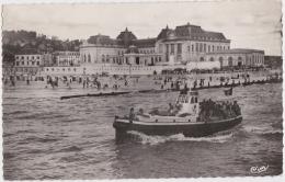 Bg - Cpsm Petit Format TROUVILLE - Le Casino, Le Place Et Une Des Vedettes - Trouville
