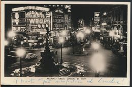 °°° 8959 - UK - LONDON - PICCADILLY AT NIGHT - 1958 With Stamps °°° - Piccadilly Circus