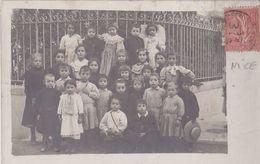 NICE Carte Photo D'écoliers En 1906 - (Peut-être Angle Du Bd. Gambetta Et Bd. Victor Hugo Au Jardin Alsace/Lorraine). - Nice
