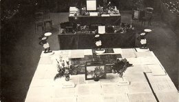 Photo Originale Mickey Mouse - Déballage De Remises De Prix 1ère Ou 2nd Industrielle Avec Présentoires Mickey Vers 1930 - Objets