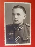 Foto AK Soldat WW2 Uniform Reichsadler Hakenkreuz 1944 - Uniforms