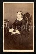 Photo-carte De Visite / CDV / W / Femme / Woman / Photographie Truchelut / Besançon / France / 2 Scans - Photographs