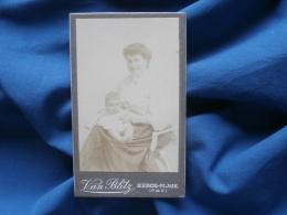 Photo CDV  Van Blitz à Berck Plage  Femme Avec Un Bébé Sur Les Genoux - Circa 1900 - L331 - Old (before 1900)