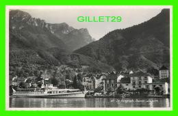 ST GINGOLPH, SUISSE - LE PORT - ANIMÉE D'UN BATEAU - EDITION PHOT. PERROCHET - CIRCULÉE EN 1952 - - VS Valais
