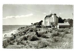 18664   Cpa    SAINT BREVIN L'OCEAN  : Le Casino Et La Plage Vus Des Dunes   !  Jolie Carte Photo !! - Saint-Brevin-l'Océan
