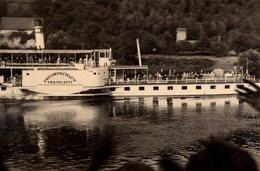 Photo Originale Bateau Touristique à Roues - Le Freundschaft Pratelstvi En 1955 In Ratheu - Reflet - Boats