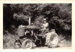 """¤¤   -  Cliché  -  Agriculture , Tracteur """" FARMALL """" Mc Cormick , Agriculteur  -  Voir Description  -  ¤¤ - Tracteurs"""