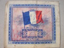 Billet. 4.  BILLETS - TRESOR - DRAPEAU FRANCE - 5 FRANCS - N° 11569555 - SERIE DE 1944 - Trésor
