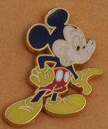 W..74 )   ......  DISNEY.........MICKEY.........    Signé  ARTHUS  BERTRAND - Disney